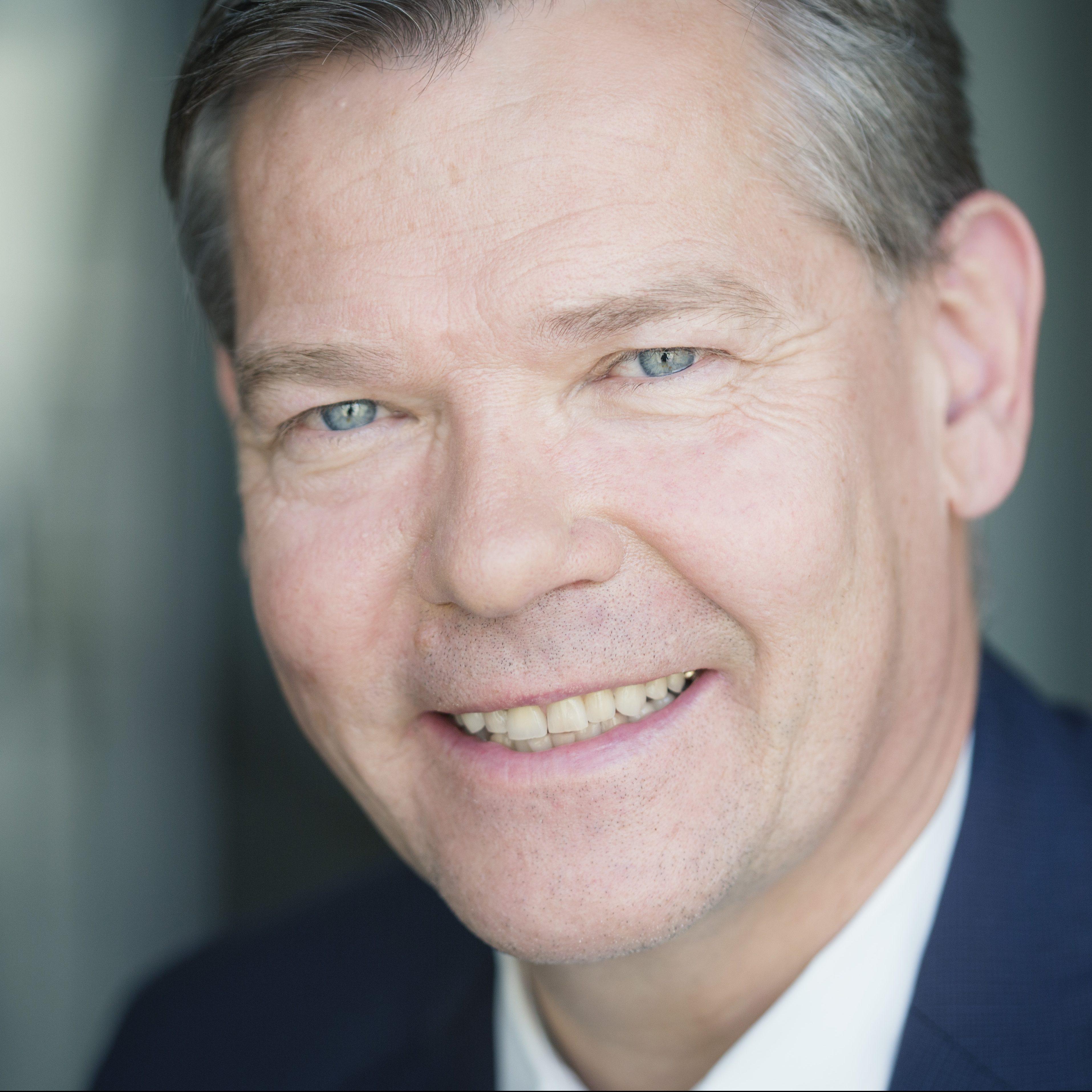Dr. Christian de Wyl