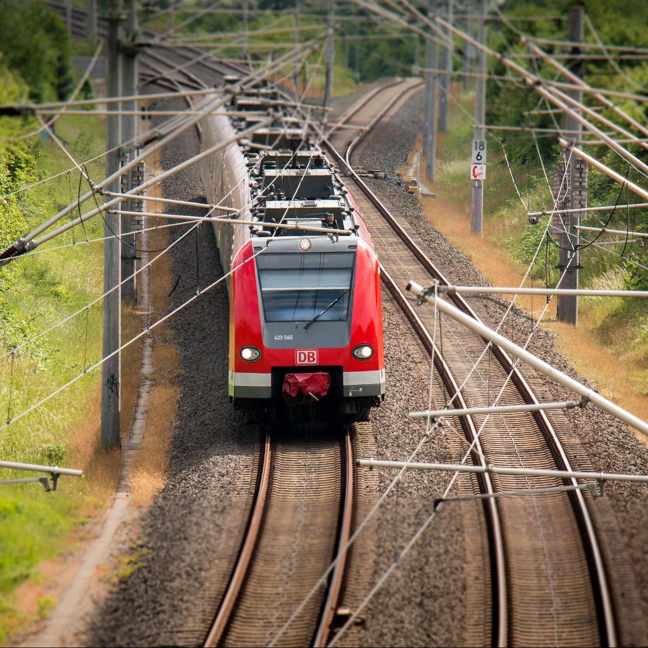 Bahnstrom Regenerativ - Analyse und Konzepte zur Erhöhung des Anteils der Regenerativen Energie des Bahnstroms
