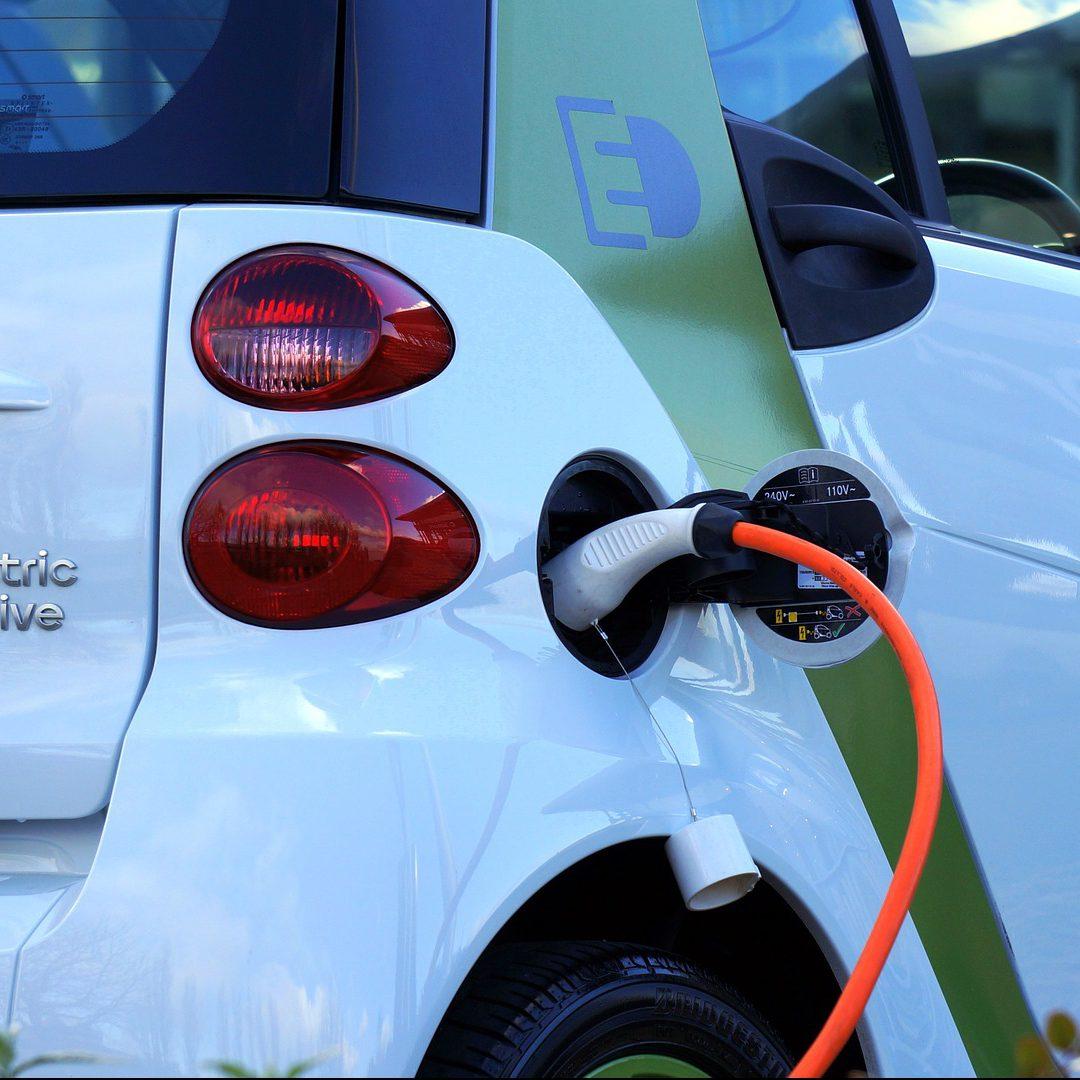 Wissenschaftliche Unterstützung bei der Erstellung von Fahrzeugbezogenen Analysen zur Netzintegration von Elektrofahrzeugen unter Nutzung erneuerbarer Energien