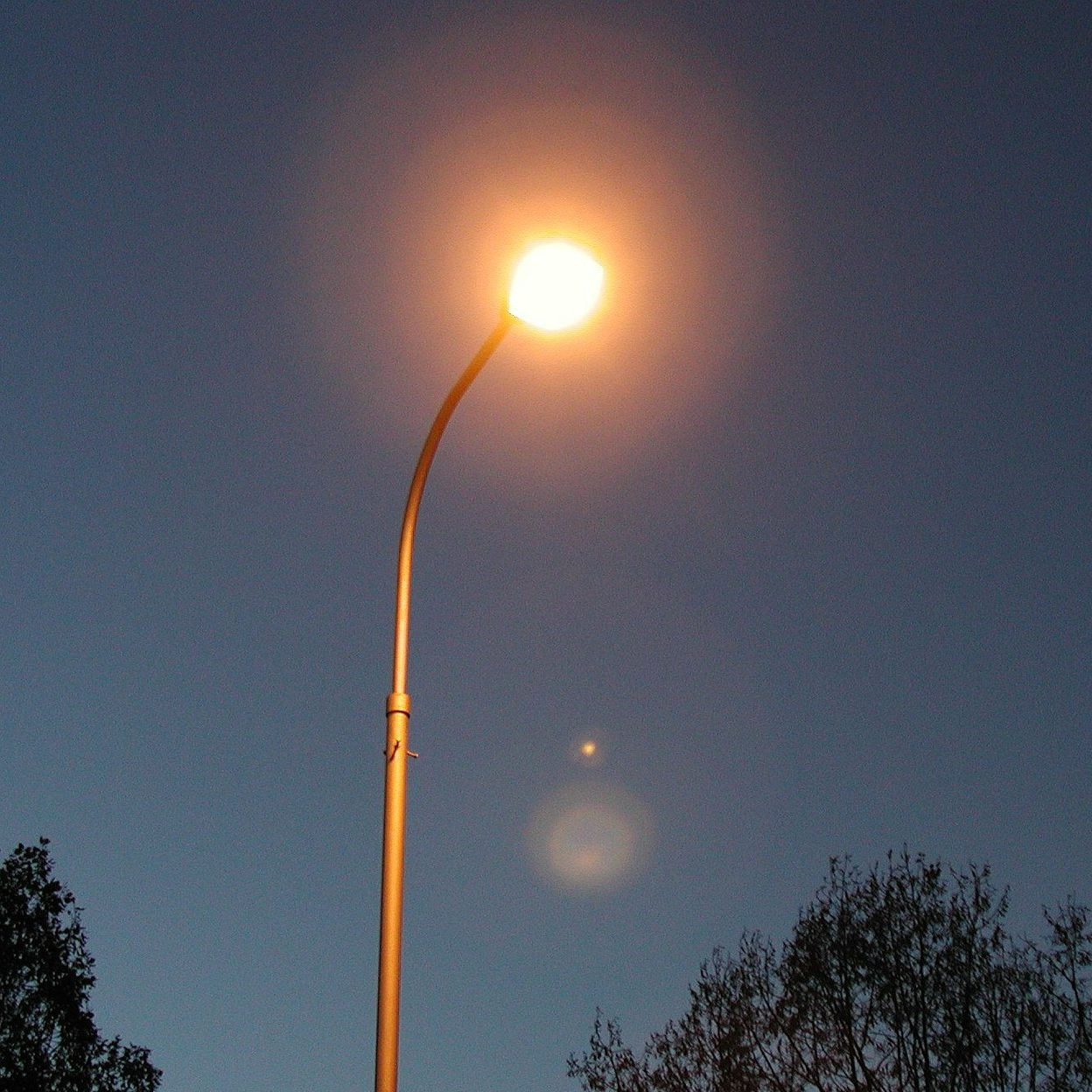 Financing models for dynamic, intelligent, and energy efficient urban street lighting