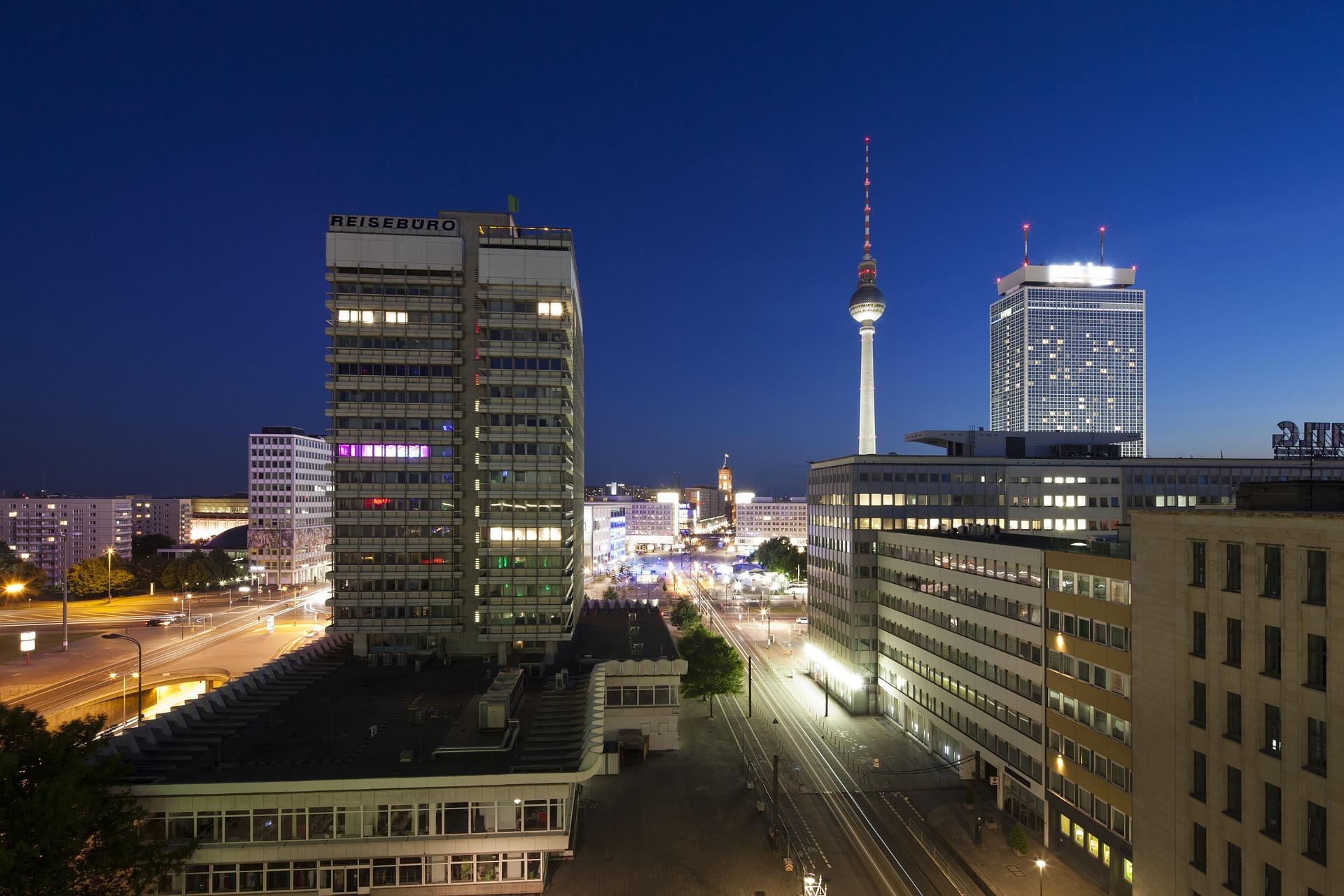 Energieeffizienz im Gebäudesektor in Berlin: Interaktion von verschiedenen Schlüsselakteuren. Bericht im Rahmen der Kopernikus-Projekte, AP 4, Task 7.