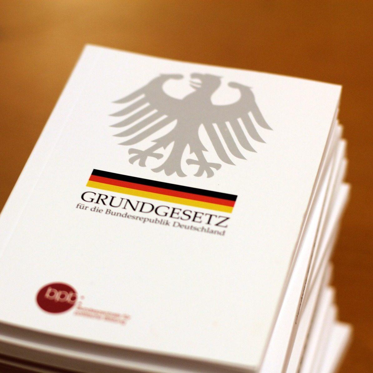 """Stellungnahme zum Gutachten der Kanzlei """"Redeker Sellner Dahs"""" für den Deutschen BraunkohlenIndustrieverein (Debriv)"""