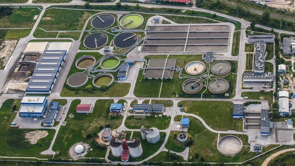 treatment-plant-wastewater-2826987_1920