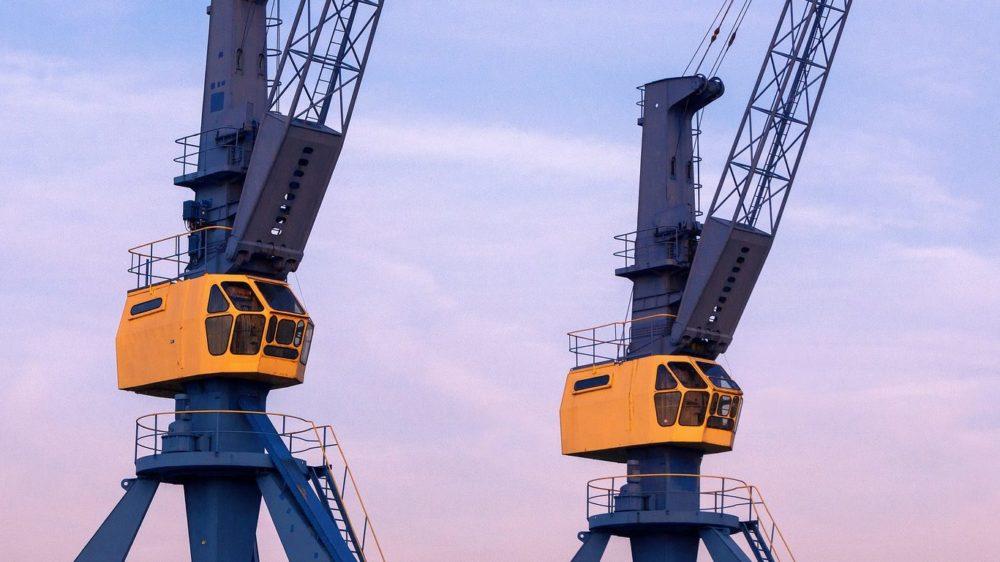 crane-2917214_1920